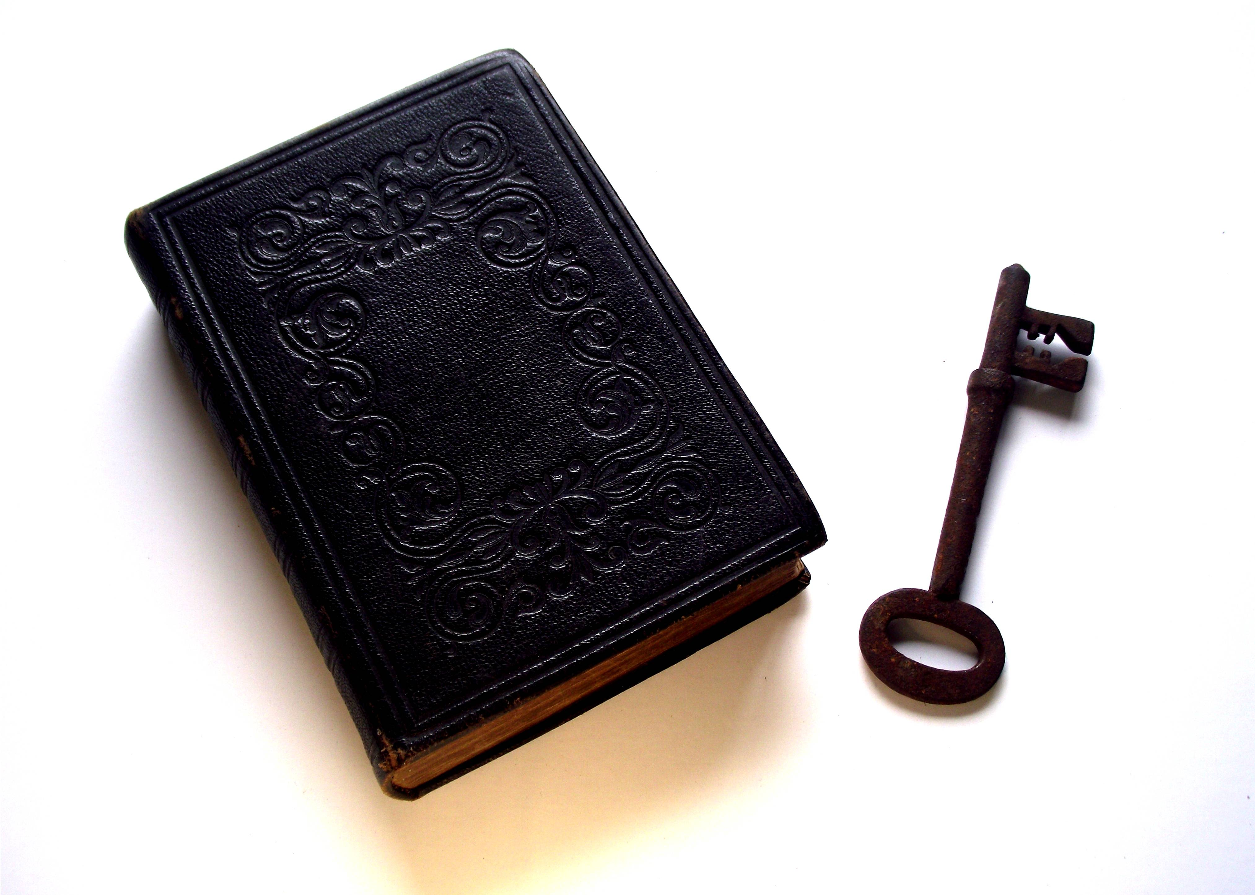 Bible_and_Key_Divination.jpg